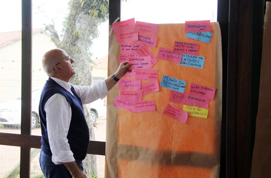 Técnico del Proyecto Mariano Berro, modera taller para analizar necesidades y buenas practicas desde la mirada del Equipo de Gestión