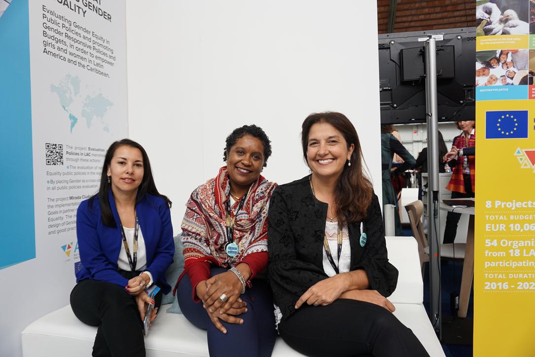 Nuestras invitadas especiales: Erika Valerio Mena de MIDEPLAN (Costa Rica), Lucy Larrosa y Vanesa Vega de la Intendencia de Cerro Largo (Uruguay) quien han podido contar a los visitantes las actividades que llevan a cabo en el marco de la cooperación triangular del programa ADELANTE.