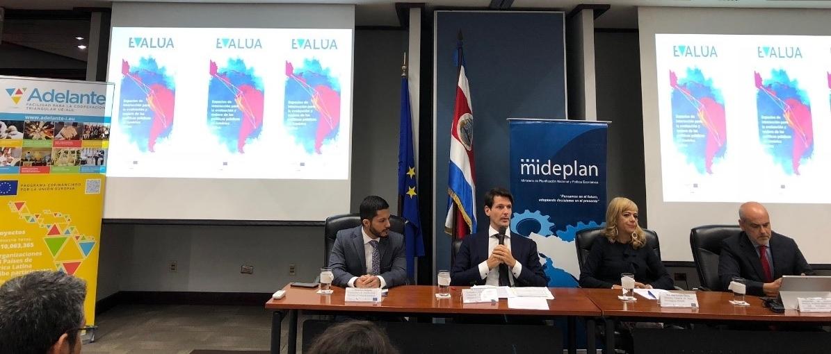 """""""La igualdad es la mejor tecnología para el desarrollo"""" -  Pelayo Castro, Embajador de la Unión Europea en Costa Rica"""