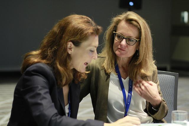 Catherine Ghyoot, responsable del Programa EUROCLIMA+ en la Comisión Europea y Valentina Martínez, Directora de Euroclima+ en la FIIAPP