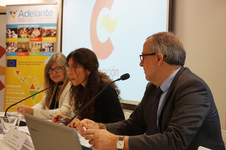 Andrea Vignolo, directora ejecutiva de la Agencia Uruguaya de Cooperación Internacional, Mercedes Florez, directora del Centro de Formación de la Cooperación Española en Montevideo y Thierry Dudermel, jefe de cooperación de la Delegación de la Unión Europea en Brasil.