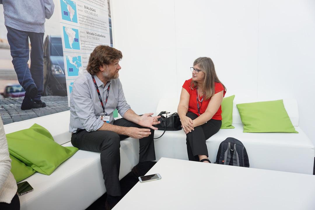 Andrea Vignolo, directora de la Agencia Uruguaya de Cooperación Internacional y Javier Gavilanes (AT ADELANTE).
