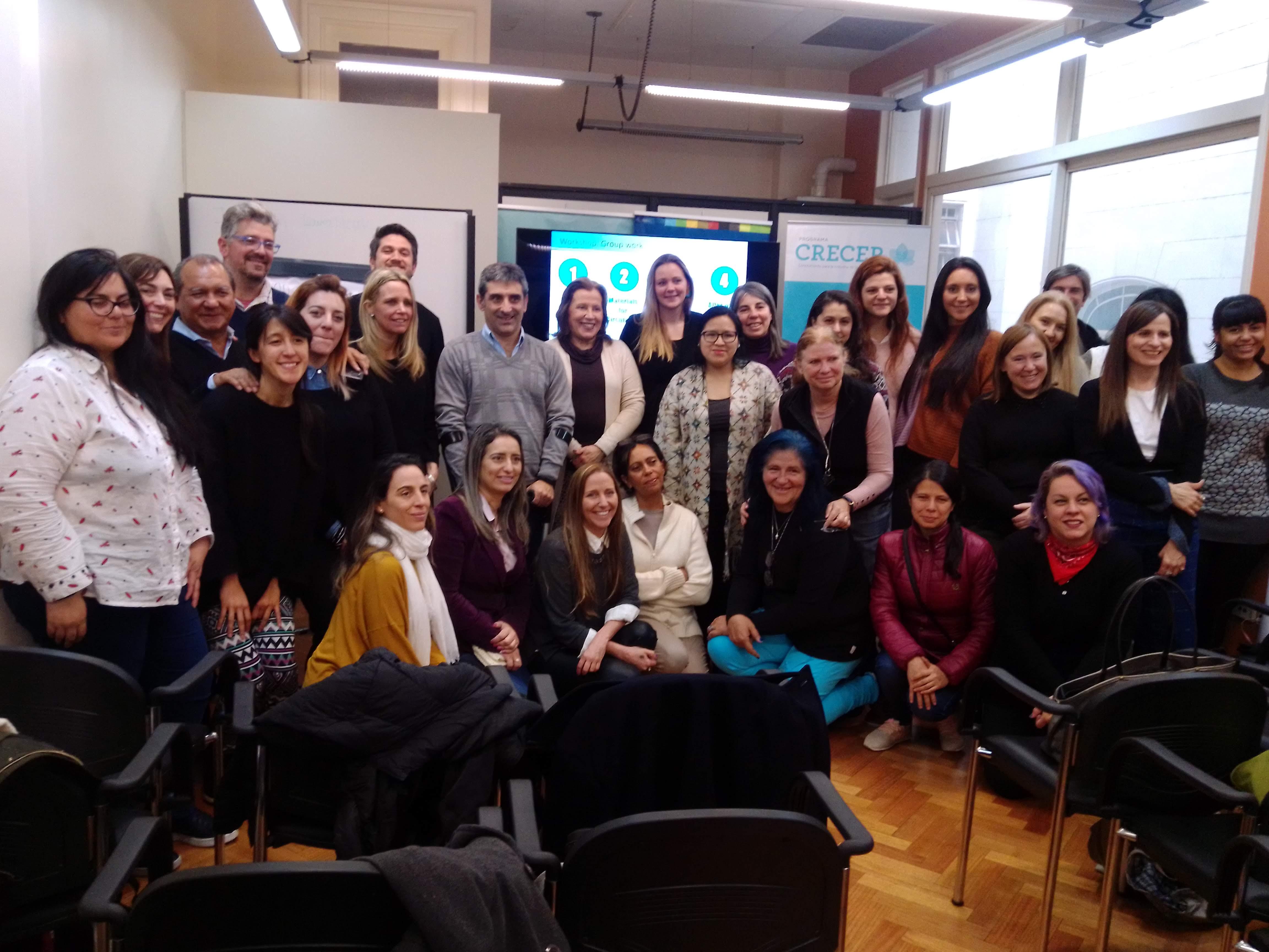 Grupo de trabajo en el workshop transición hacia una economía circular, Buenos Aires, Argentina.