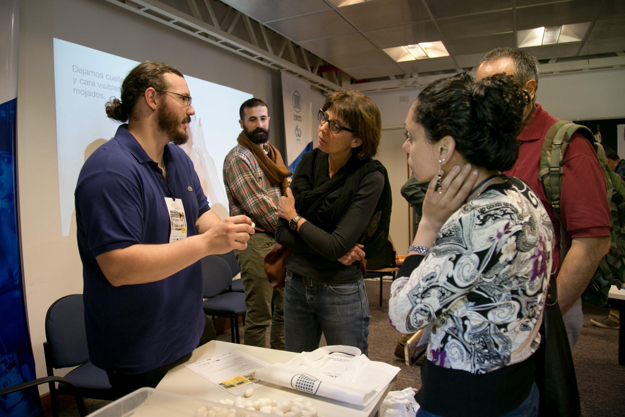Exhibición sobre seda arte y tecnología, 1° Workshop Internacional de la Seda